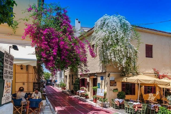 10 от най-значимите и интересни забележителности , които да посетите в Атина - част 2