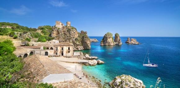 Италия               Сицилия от А до Я с полет от Варна